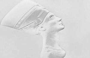 3D relief, «gaufrage à sec», technique qui reproduit l'image réelle en trois dimensions sur la feuille imprimée