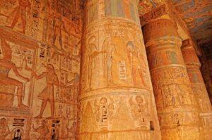 le temple de Ramsès III à Louxor